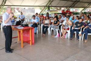 Bispo diocesano dom Pedro Conti fala aos participantes - (Foto: Jefferson Souza - Pascom Macapá)