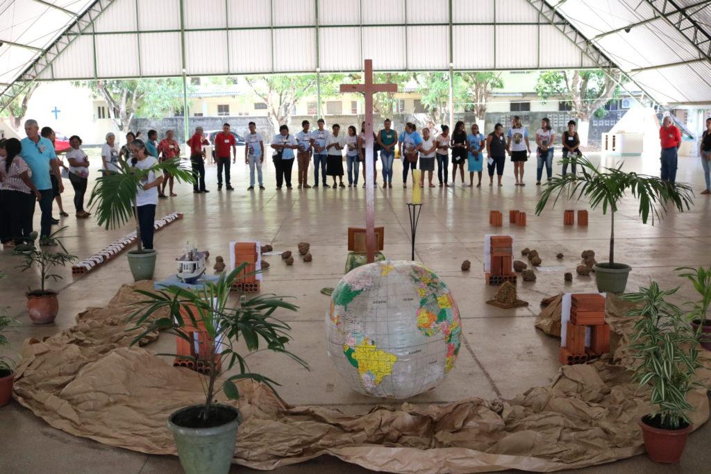 Momento orante com Ofício Divino das Comunidades - (Foto: Jefferson Souza - Pascom Macapá)